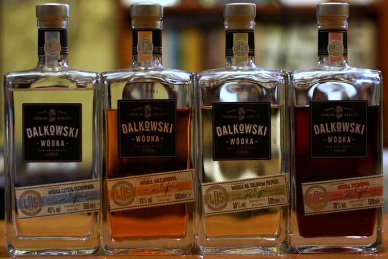 2f57742db0bd62 Początki marki Dalkowski sięgają 1921 roku, kiedy fabryka wódek i likierów  Graffa, mieszcząca się w Toruniu przy ul. Królowej Jadwigi 16 została  kupiona ...