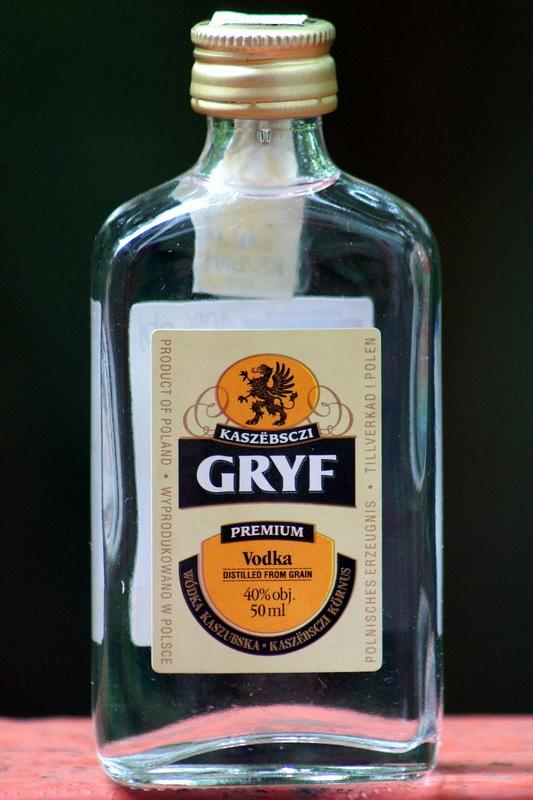 aee33faaa41767 wódka czysta zbożowa klasy premium, produkowana w Straszynie przez firmę  Komers International. Wielokrotnie destylowana, o wyrazistym zbożowym smaku  i nieco ...